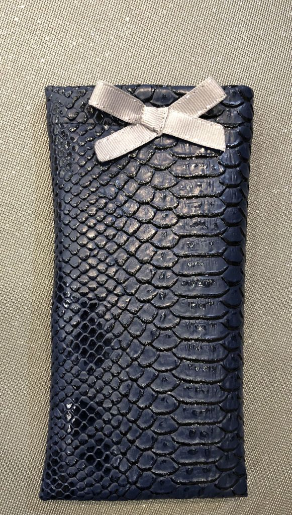 Original glasses case - soft & practical - Navy blue Tasma - small taupe and silver bow